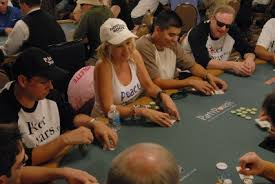 Playing Stud Online Poker With Cyndy Violette